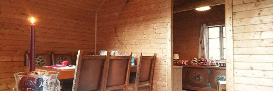 Gardsbutikk Indre Bjotveit Gard - heimelaga syltetøy, honning, saft, frukt